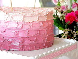 Pink ombre cake @ Bubble and Sweet