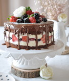 Berry chocolate torte
