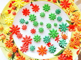 Rotate the sugar flowers @ Caramelo Cookies and Cupcakes