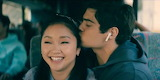 Lara-Jean-and-Peter-Bus-To-All-the-Boys-3