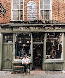 Vintage Showroom Shop - London England UK Britain