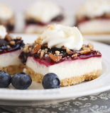 Blueberry crumb dessert