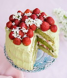 Strawberry matcha cake