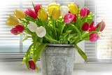 ^ Vase Flower Bouquet Pot Ornament Tulips
