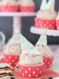 Strawberry poptarts cupcakes